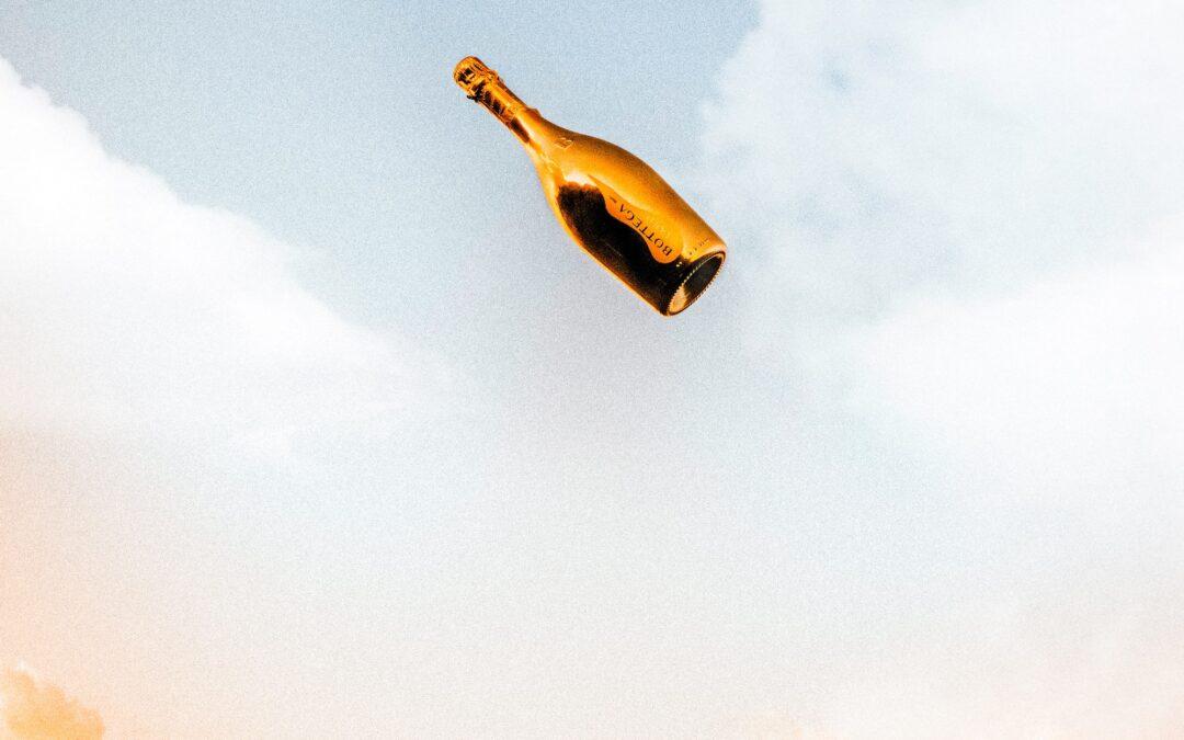 Make like a champagne pyramid 🥂
